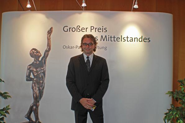 """Frank Manhillen, Geschäftsführer der Manhillen Drucktechnik GmbH, am 29.09.2012 im Würzburger Maritim-Hotel bei der Auszeichnungsgala zum """"Großen Preis des Mittelstandes 2012"""""""