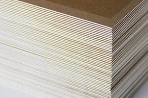 Making-of Weihnachtskarte: Ansicht Multiloft-Papier mit weissem Kern