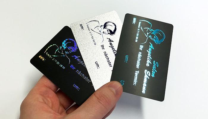 Druckveredelung mit Heißfolienprägung: Großes Sortiment an Hologramm-Folien (Fälschungssicherheit) und verschiedenen Farben