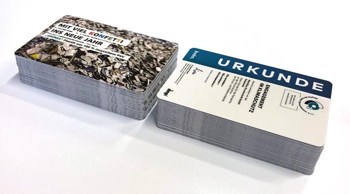 """""""Grünes Plastik"""" ohne Mikroplastik: Karten aus 100 % recyceltem Plastik mit hervorragenden Eigenschaften beim Druck und in der Weiterverarbeitung (Druckveredelung)"""