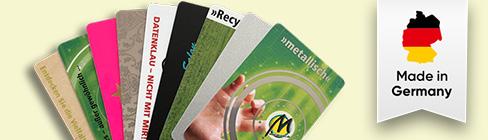 Hochwertige Plastikkarten: Klimaneutral, recycelbar, mit Druckveredelung bei Manhillen - ihrer Digitaldruckerei in Rutesheim (nahe Stuttgart)