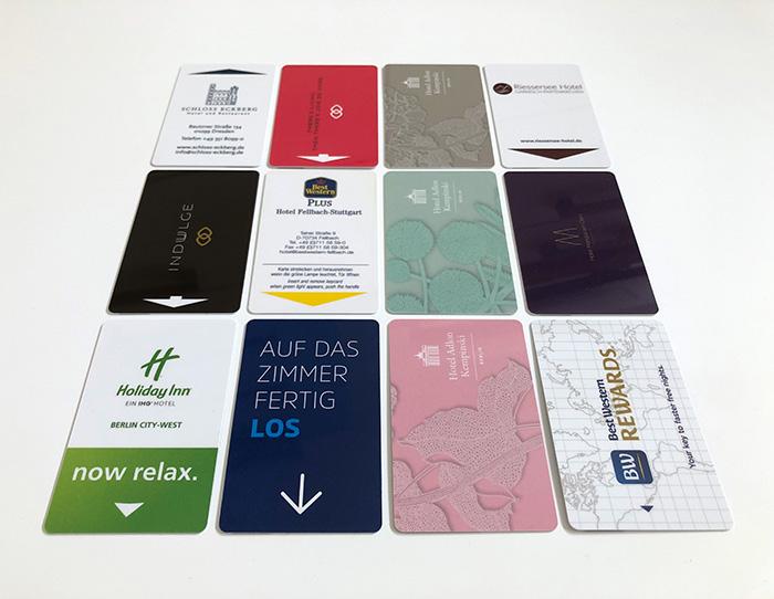 Hotels aufgepasst: Schlüsselkarten namhafter Hotels entstehen in unserer Digitaldruckerei.